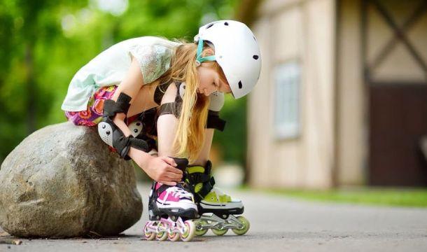 Cara Mengajari Anak Bermain Roller Skate Bagian 1